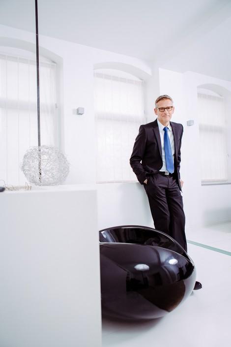 Portrait Foto Dr. J. Severin