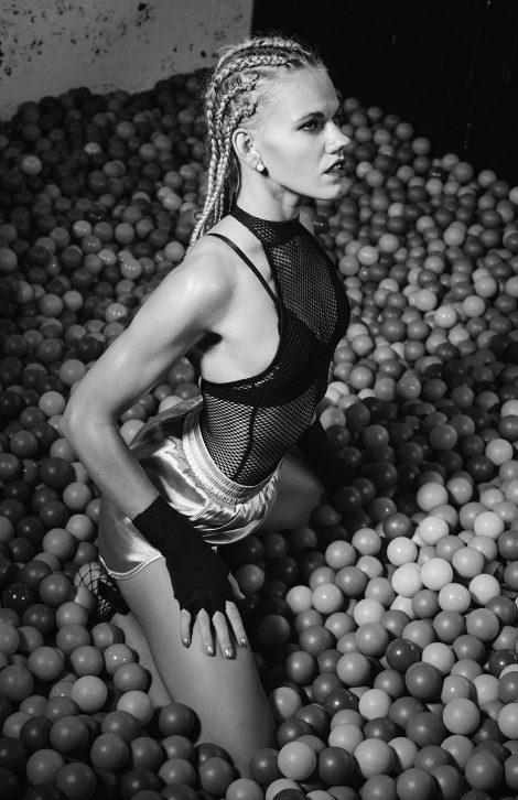 People Editorial-Fotografie schwarz weiss für ein Fashion Magazin